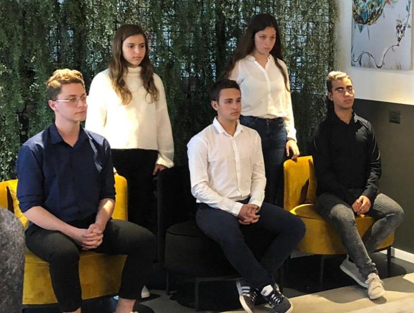 """לראשונה בפוליטיקה הישראלית: בני נוער התאגדו להקמת מפלגת 'דור העתיד' ועתרו לבג""""צ בדרישה להתמודד בבחירות הקרובות"""