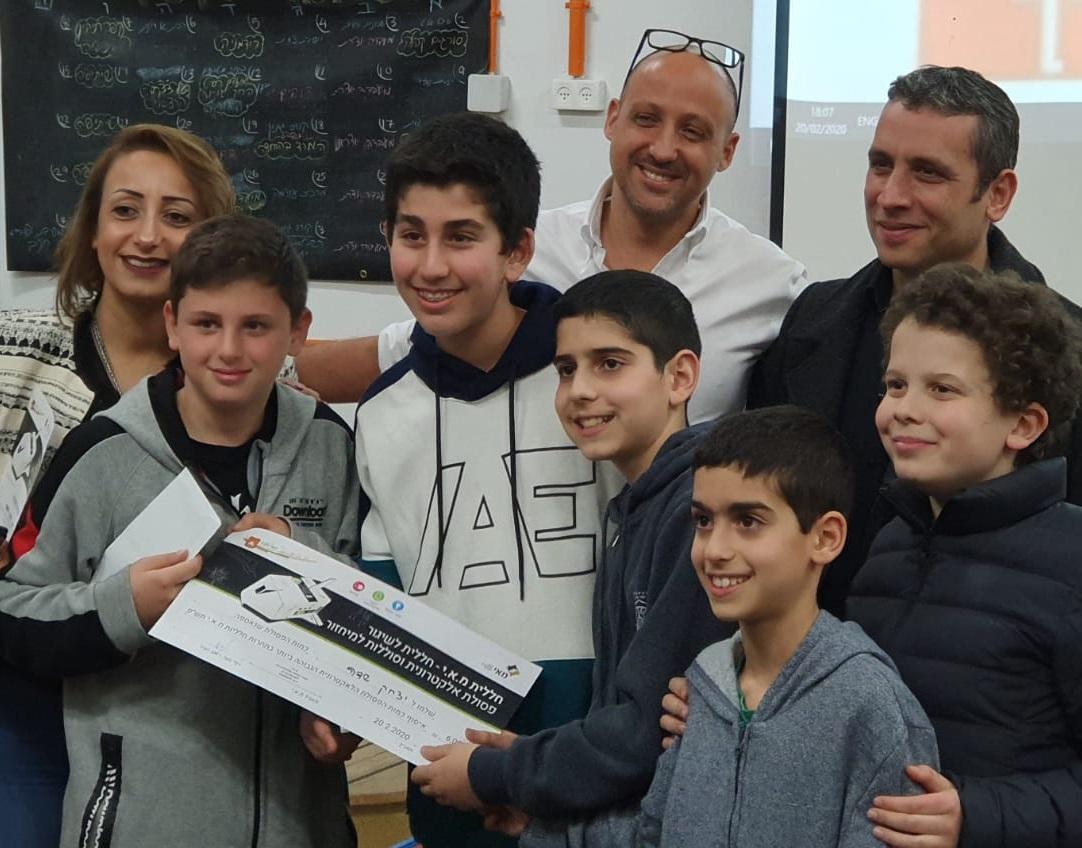 בית הספר יצחק שדה ניצח בתחרות איסוף פסולת אלקטרונית