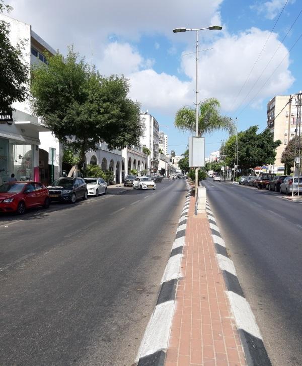 עיריית כפר סבא הקצתה חניות חינם רבות נוספות בכתום-לבן ברחובות ויצמן, רוטשילד, ירושלים, בוסל והתעש