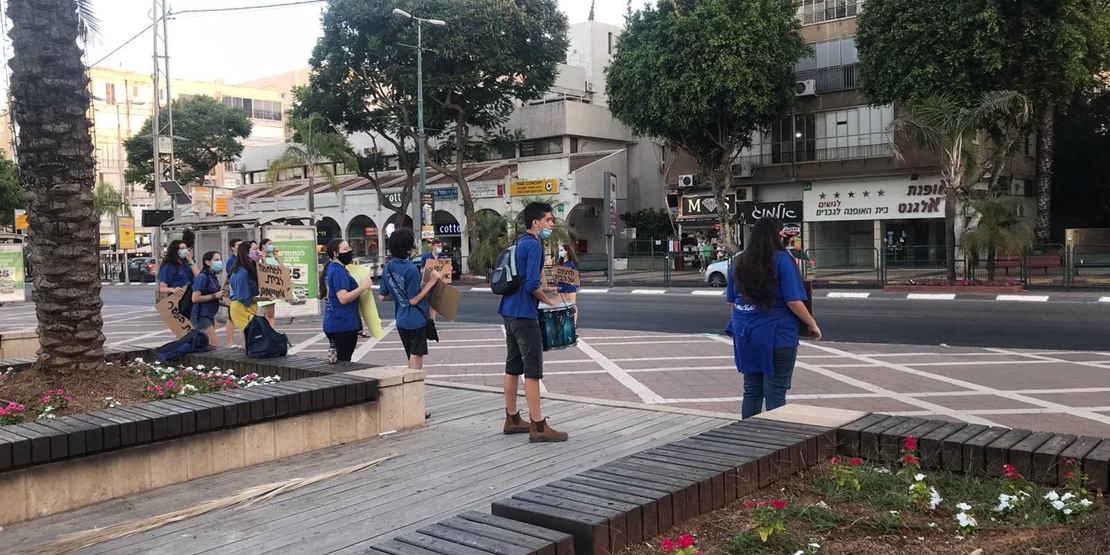 ראש העיר כפר סבא לשר החינוך: יש להביא לסיום סכנת הקיום מעל ראשן של תנועות הנוער בישראל