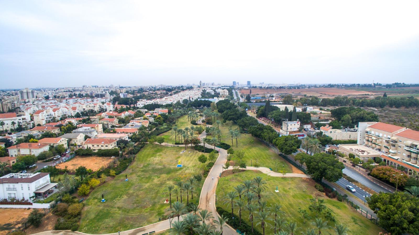 כפר סבא מובילה ברוב מדדי איכות החיים בארץ: הכי מרוצים לגור בעיר, הכי שבעי רצון מהניקיון ומהמצב הכלכלי וחיים הכי הרבה שנים